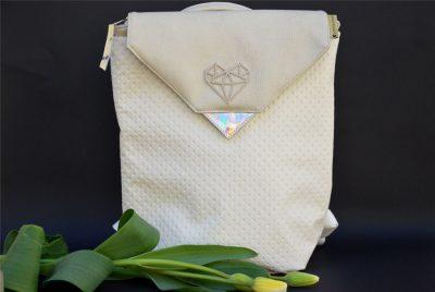 ezubegz crystal opal front