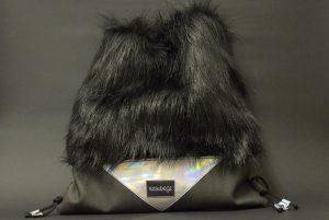 ezsubegz-raven-floppy-tornazsak szőrös táska